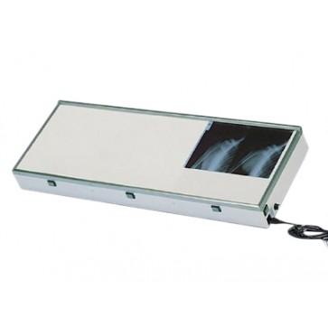 Negatoskop za 3 slike, dimenzije 120x43cm, montaža na zid, homogeno, hladno fluorescentno svjetlo